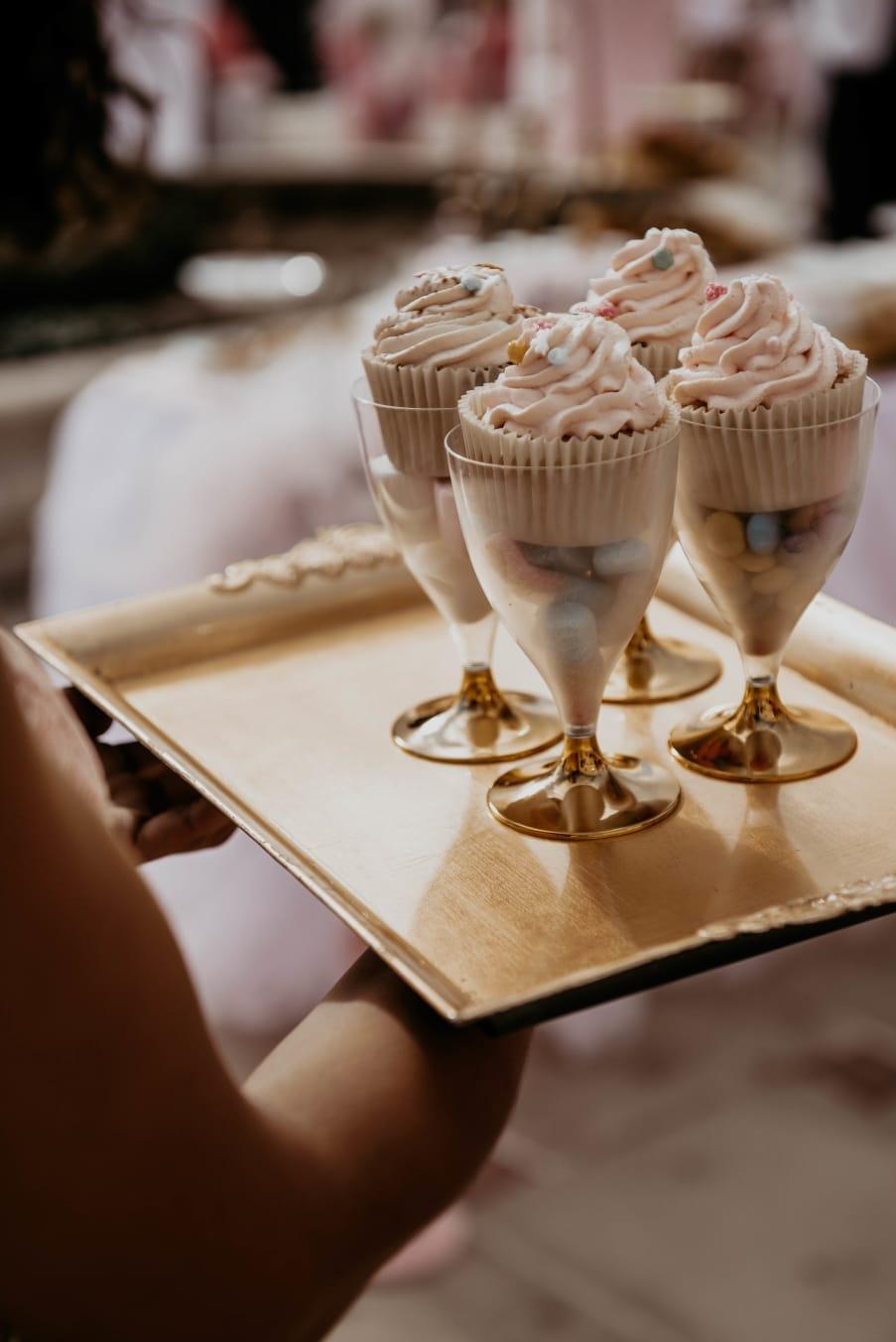 Nice présentation de Cupcakes pour anniversaire