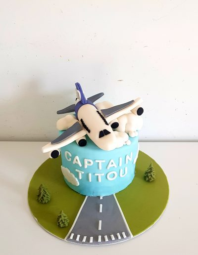 Gâteau anniversaire avion Captain titou