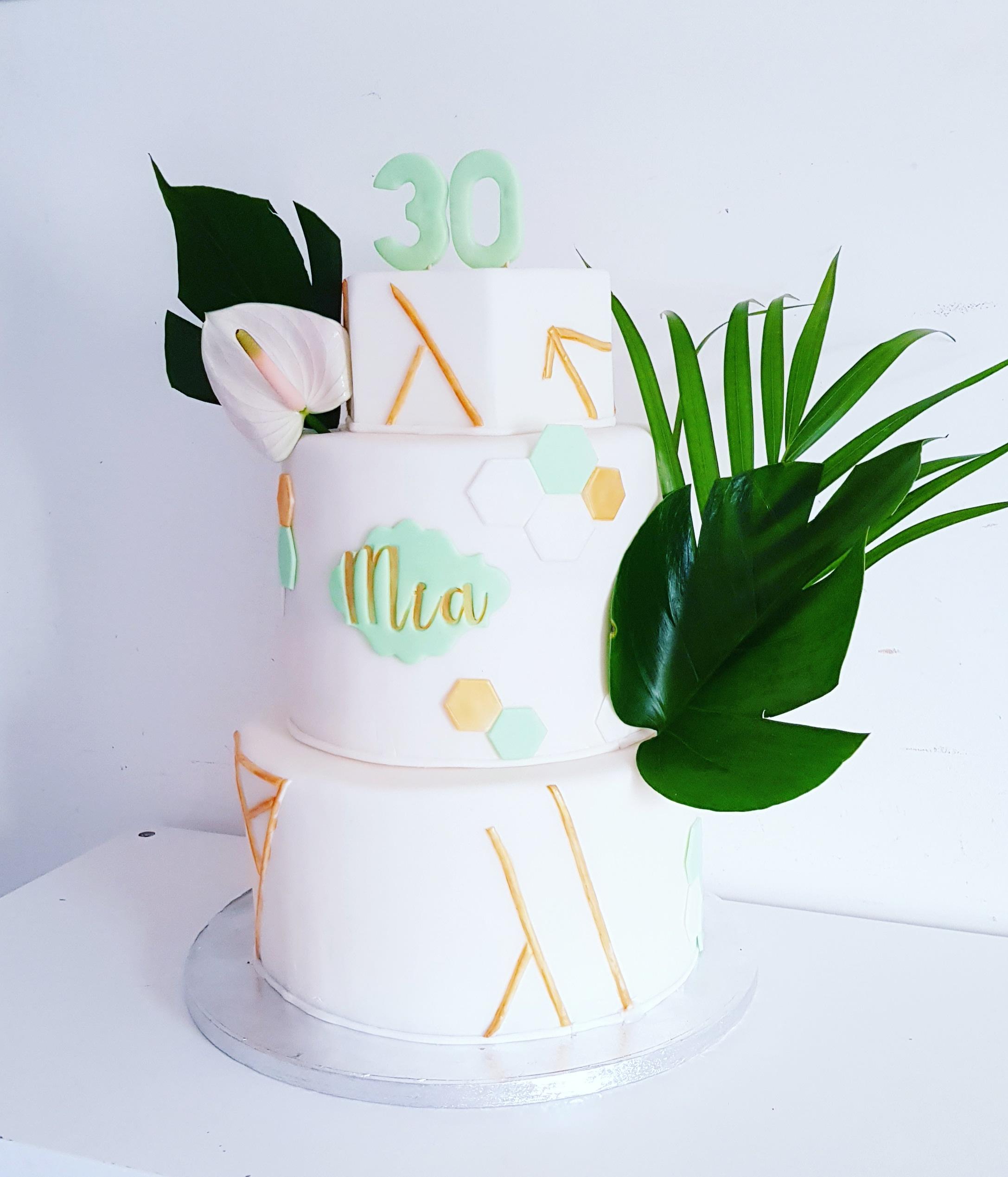 Gâteau d'anniversaire Mia 30ans