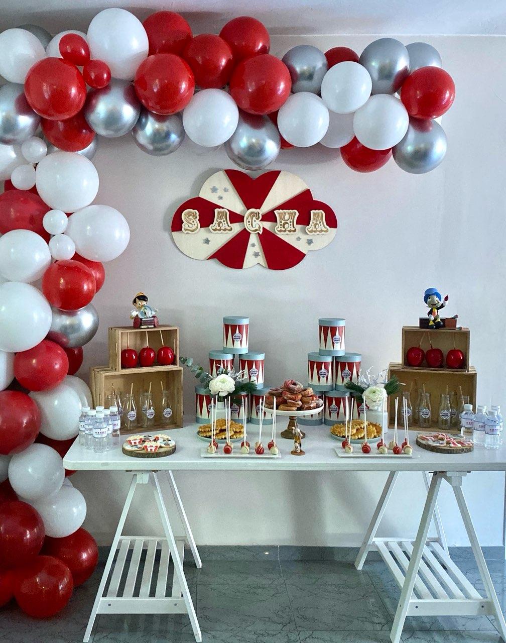 Anniversaire sacha décoration cirque avec gateau&popcakes de face