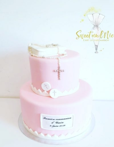 Gâteau de mariage décoration religion rose